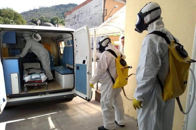 Servidores da Saúde de Monteiro Lobato participam de simulação de atendimento a paciente com Covid-19