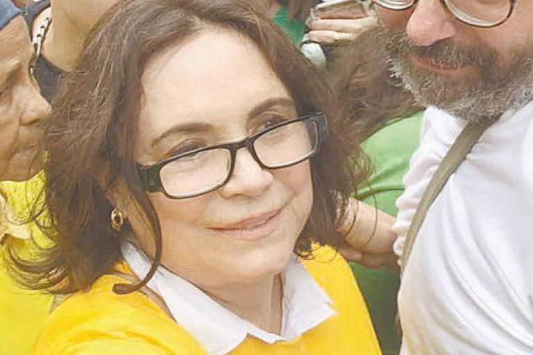 A atriz Regina Duarte na manifestação contra a ex-presidente Dilma Rousseff  em São Paulo