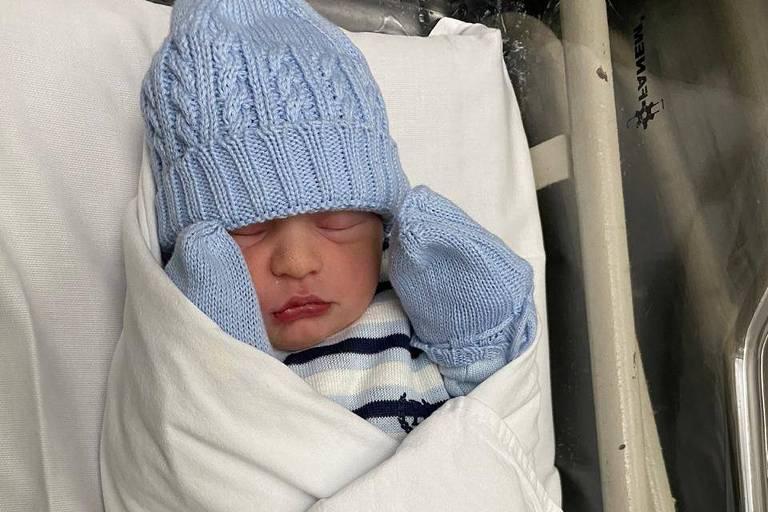 Nasce Nicolas, filho caçula do cantor Tayrone: 'Ele é lindão'