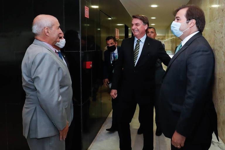 Jair Bolsonaro durante encontro com Rodrigo Maia, presidente da câmara