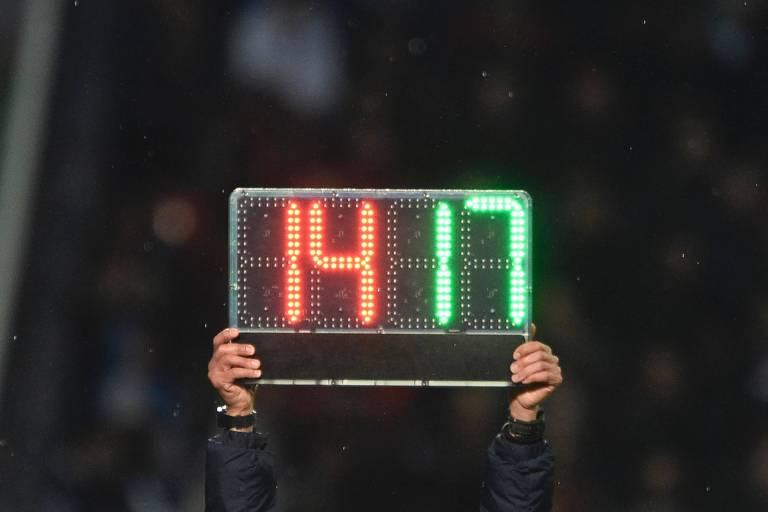 Alemão terá até cinco substituições por jogo depois que a International Board acatou sugestão da Fifa