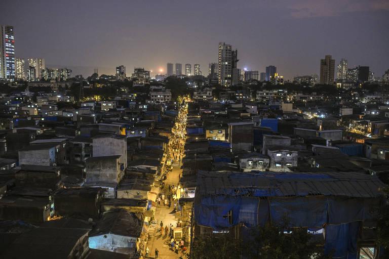 A favela de Dharavi, a maior comunidade de Mumbai