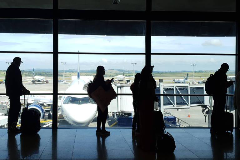 Depoimento: Lotado, voo BH-SP tem desrespeito a regras de distanciamento