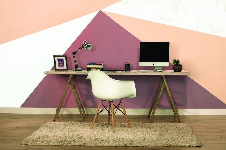 Ambiente com pintura geométrica, pintado com tintas da Coral