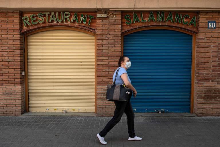 Diário de confinamento: 'Máscaras e luvas jogadas na rua'