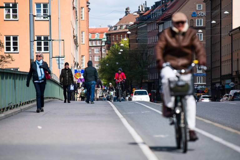 Sem quarentena, Suécia ainda aguarda julgamento da história