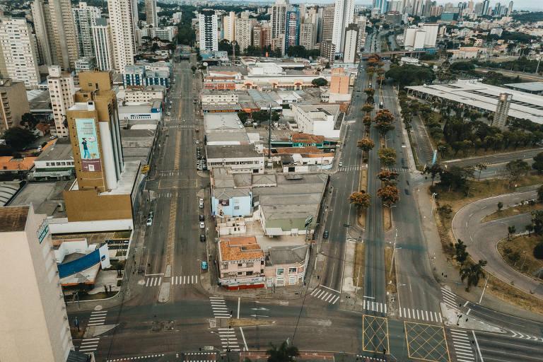 Rodoviária de Curitiba, em imagem aérea captada durante o período de quarentena devido à pandemia do coronavírus