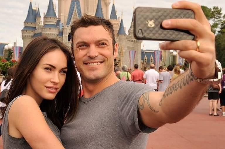 Megan Fox e Brian Austin Green se conheceram em 2004, quando começaram a namorar. Em 2010 os atores oficializaram os votos de matrimônio. Após dez anos, eles anunciam a separação pela segunda vez.