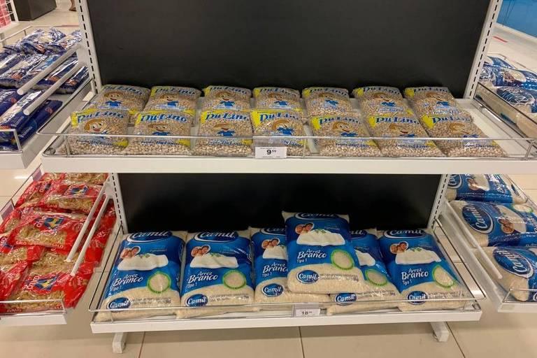 Lojas Havan passou a incluir alimentos em suas prateleiras e briga na Justiça para ser considerada atividade essencial