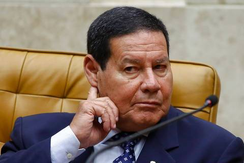 (FILES) In this file photo taken on February 03, 2020 Brazilian Vice-President Hamilton Mourao gestures during the year's opening of the Supreme Court's work session in Brasilia. - Mourao criticized on May 14, 2020 the