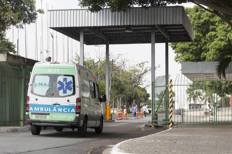 Entrada do Hospital Municipal de Campanha (HM Camp) Anhembi, na zona norte de São Paulo