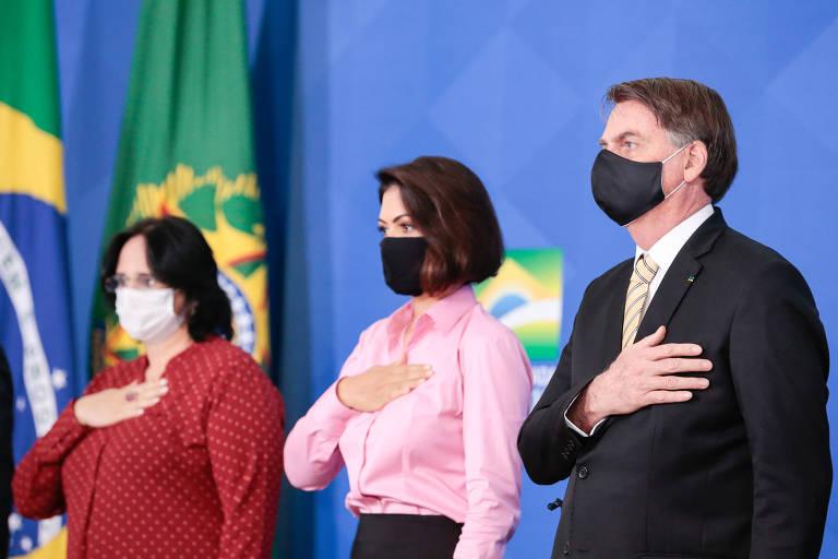 O presidente Jair Bolsonaro lança, com a primeira-dama Michelle e a ministra Damares Alves, campanha de enfrentamento à violência doméstica