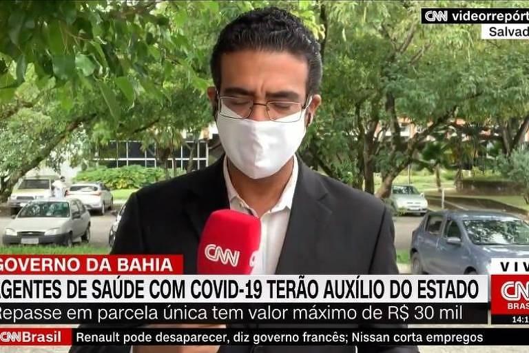 Repórter Jhonatã Gabriel em transmissão na CNN