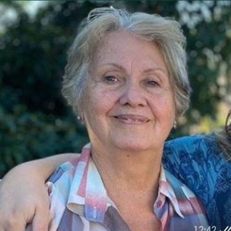 A aposentada Celeste Kirsten Rocha, 76 anos, sofreu uma queda na garagem e machucou os joelhos e o braço