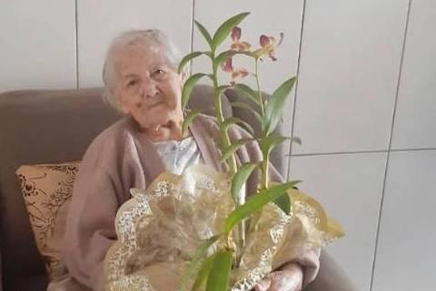 SAO JOSE DO RIO PRETO, SP, Maria da Mata Mussi, 94, diabética e com pressão alta, se cura da covid-19 depois de uma semana internada, em São José do Rio Preto (SP). Crédito: Arquivo pessoal