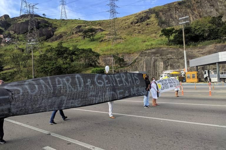 Protesto dos profissionais de saúde do RJ por medidas de combate à pandemia do novo coronavírus