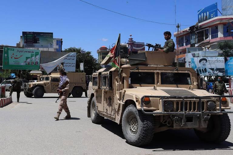 Exército afegão se posiciona em Kunduz, no norte do país, em meio à tensão com o Taleban