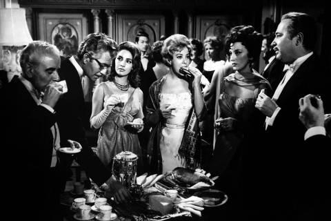 Cena de 'O Anjo Exterminador', de Luis Buñuel