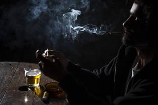 AUMENTO DE CONSUMO DE ALCOOL E DROGAS DURANTE A QUARENTENA