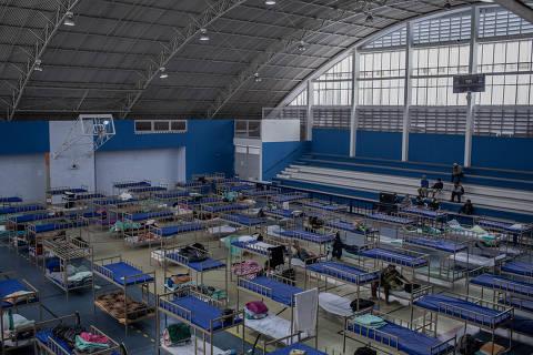 Brasil vai na contramão da quarentena e vê explosão de mortes por Covid-19