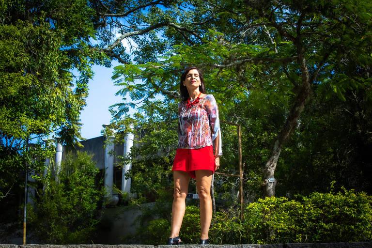 A física Marcia Barbosa, a única brasileira na lista de sete mulheres cientistas da ONU, fotografada no campus da UFRGS