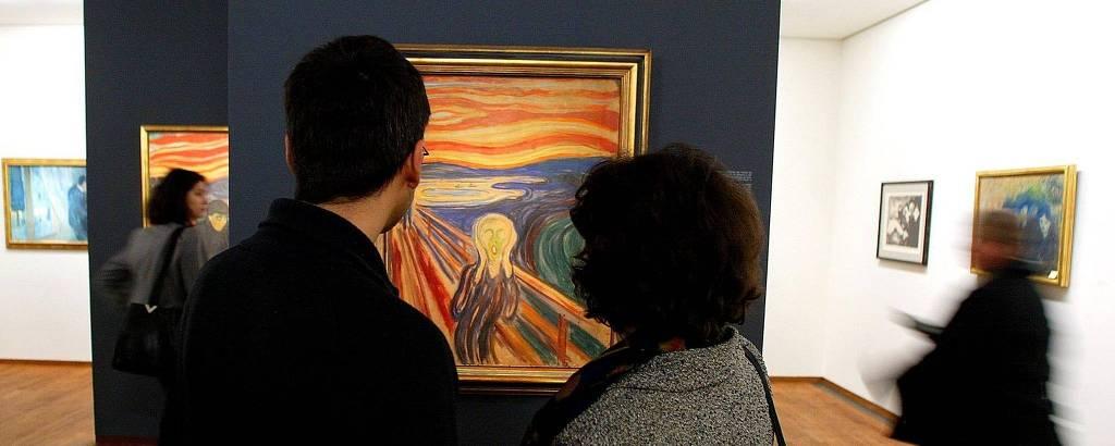 Visitantes veem quadro 'O Grito', de Edvard Munch