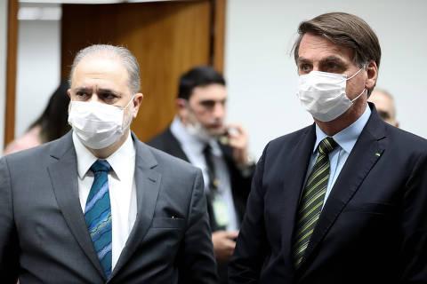 Aras pede harmonia entre Poderes para evitar o 'caos' e recebe visita surpresa de Bolsonaro