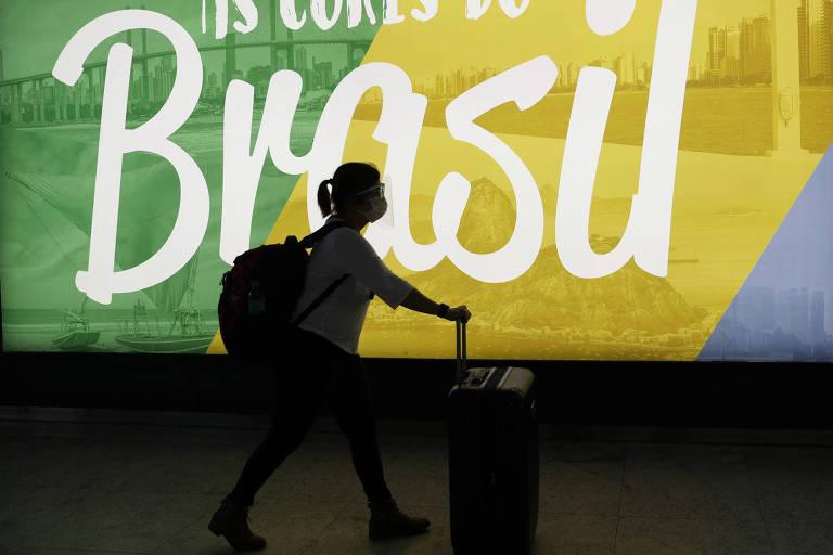 Pandemia reduz pela metade registros de imigrantes no Brasil