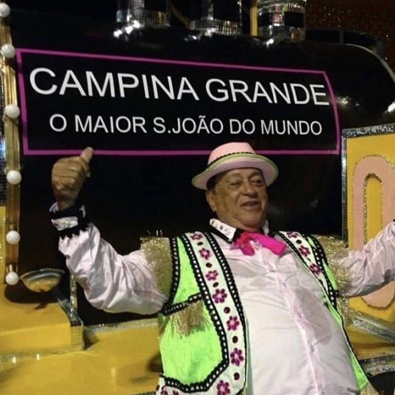 Imagens do cantor Genival Lacerda
