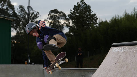 Eleven-year-old Brazil team skater Gui Khury during a training session at his grandmother's farm, days after becoming the first to land a 1080-degree turn, following the outbreak of the coronavirus disease (COVID-19), on the outskirts of Curitiba, Brazil, May 12, 2020. REUTERS/Rodolfo Buhrer ORG XMIT: AIMEX