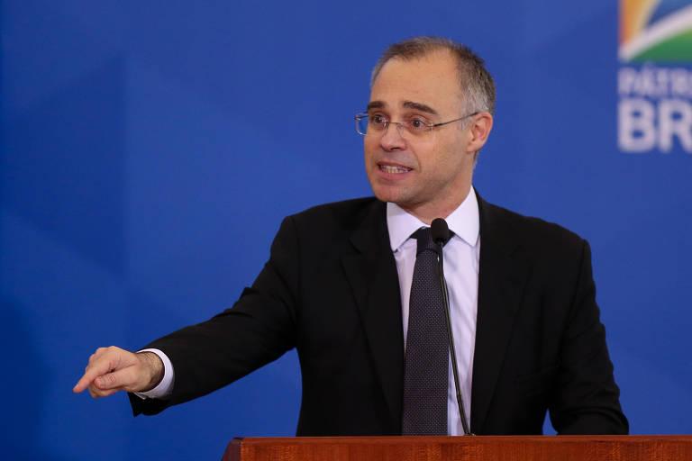 André Mendonça toma posse como ministro da Justiça, no Palácio do Planalto