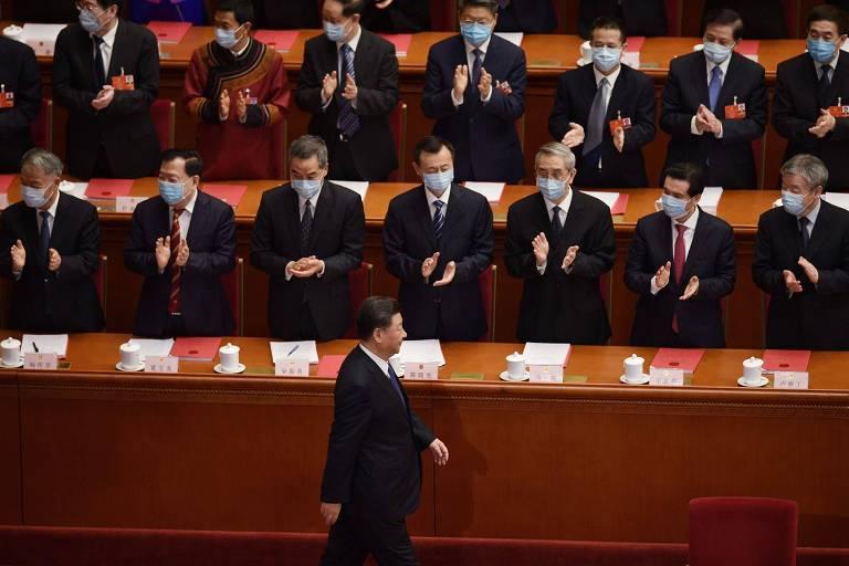 Xi Jinping é aplaudido no Congresso Nacional do Povo, nesta quinta (28) em Pequim