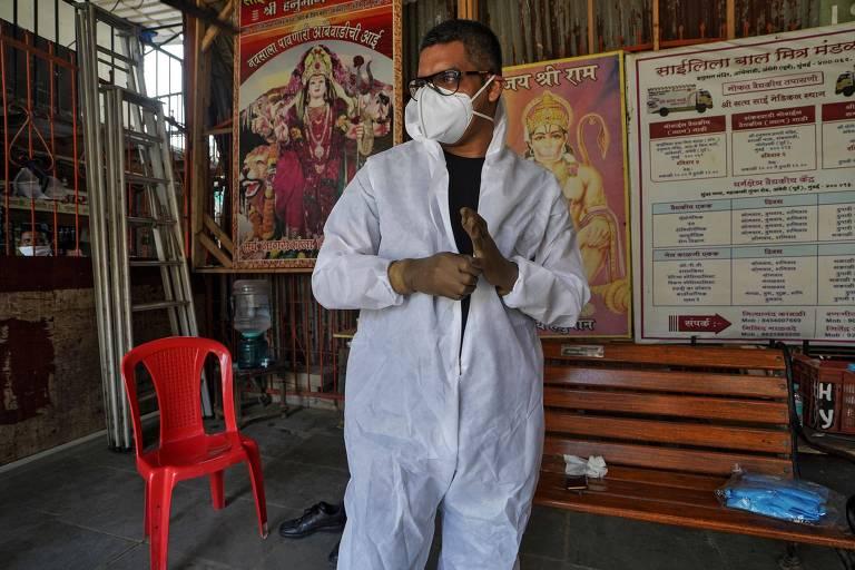 Sanjay Meriya visita comunidade carente em Mumbai para instruir sobre coronavírus