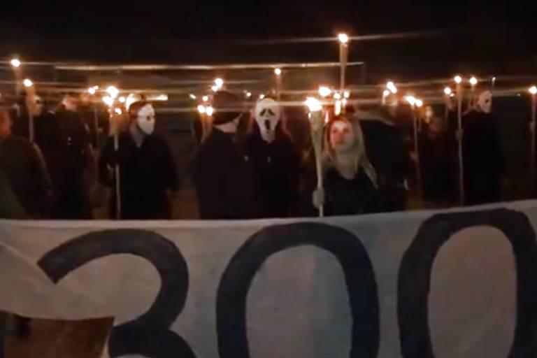 Grupo pró-Bolsonaro 300 do Brasil em manifestação contra o STF, em Brasília