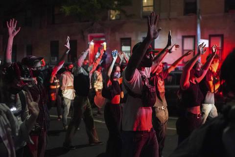 Wall Street apoia protesto, mas EUA ainda debatem racismo no acesso a crédito