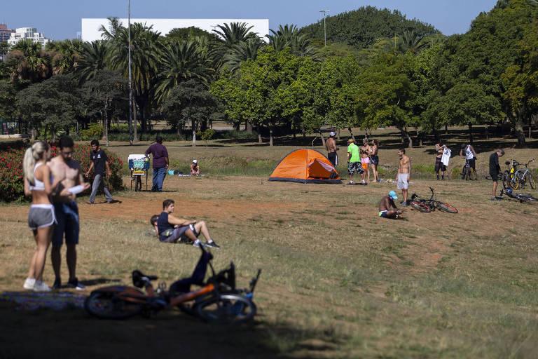Movimentação no Parque Ibirapuera  durante o super feriado decretado pelo governo para tentar conter a pandemia de Covid-19
