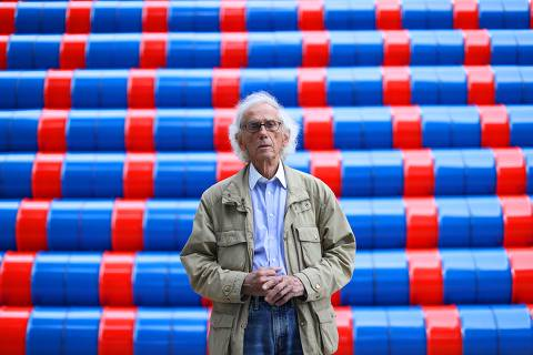 (FILES) In this file photo taken on June 4, 2016, Bulgarian artist Christo poses in front of the monumental