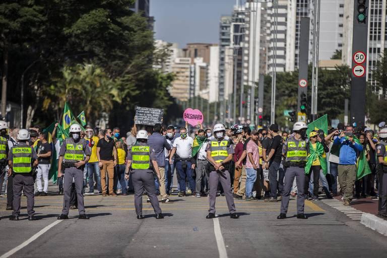Movimentos pela democracia decidem não convocar para atos