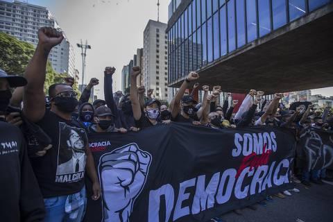 Com cisões, grupos e partidos anti-Bolsonaro vão às ruas sem formar frente ampla