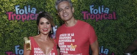 Flávia Alessandra e Otaviano Costa chegam no camarote Folia Tropica na Sapucaí no primeiro dia de desfile do grupo especial
