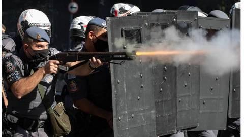 No Washington Post, a polícia paulista dispersa protesto contra Bolsonaro.Foto:Reprodução