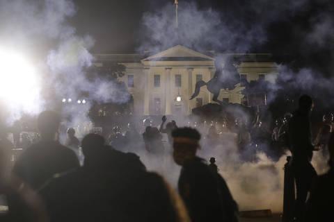 Casa Branca fica às escuras em nova noite de violência nos EUA