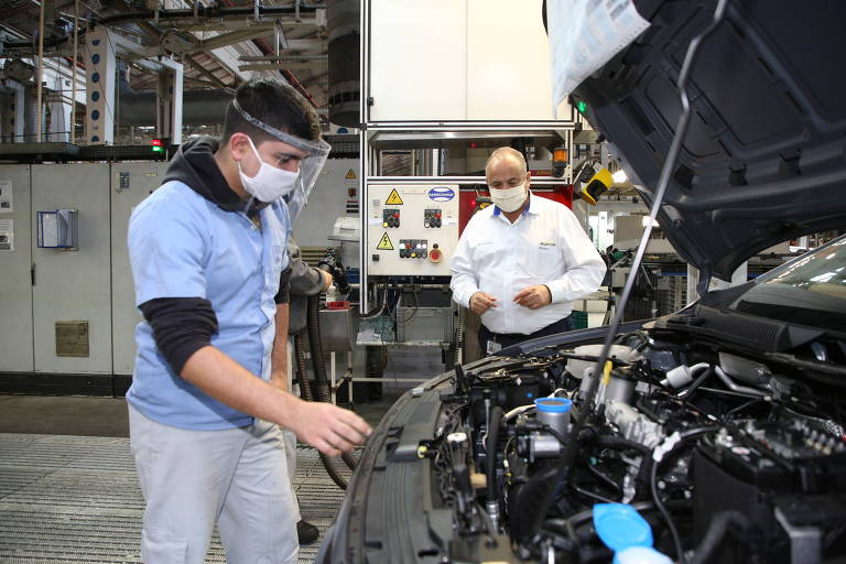 Com vendas em alta, montadoras irão parar novamente por falta de peças