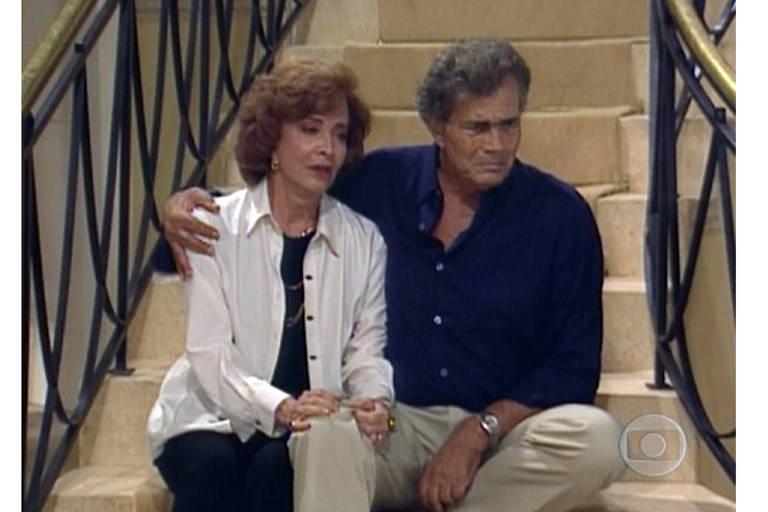 """Tarcísio Meira e Glória Menezes em """"Torre de Babel"""", 1998"""