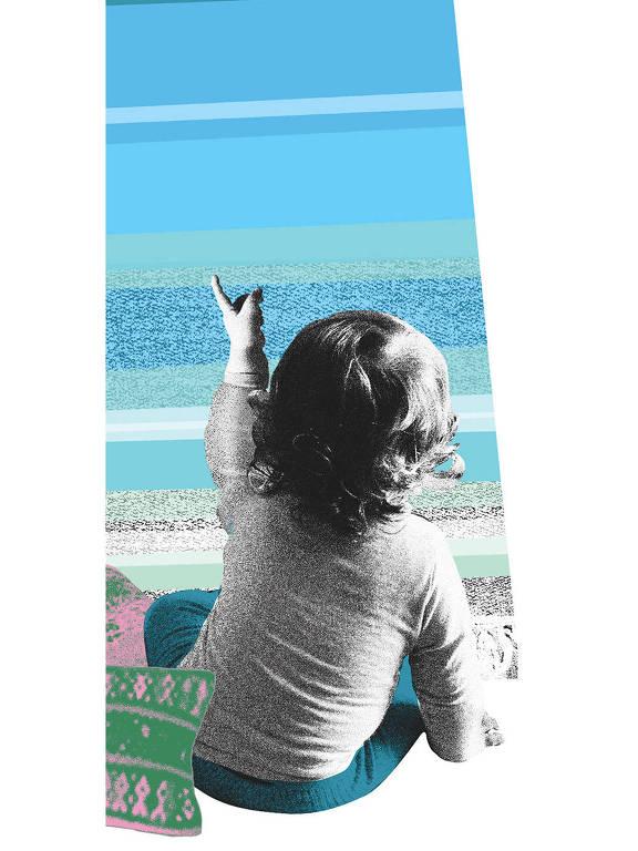 Colagem mostra criança de uns dois anos sentada na praia, de costas para o observador.