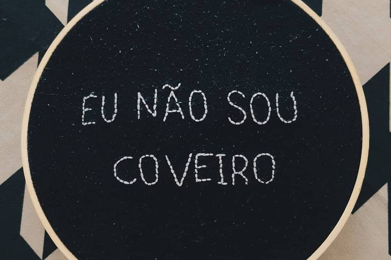 """""""Não sou coveiro"""", disse Bolsonaro em 20 de abril, quando o país registrava 2.575 mortes por Covid-19"""
