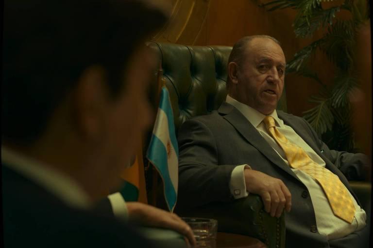 O personagem de Julio Grondona (à dir) na série El Presidente