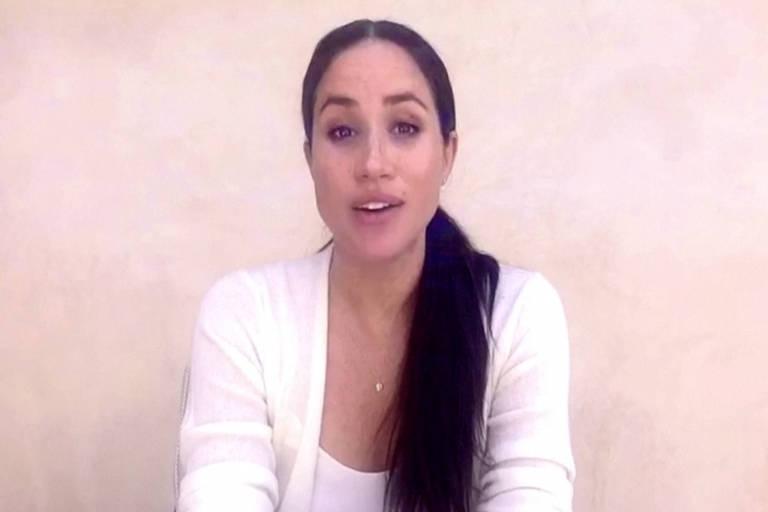 Meghan Markle em vídeo para estudantes de sua antiga escola
