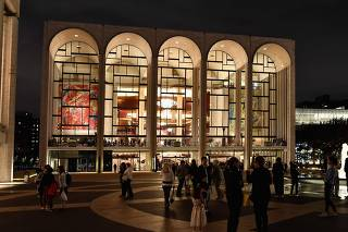 Met Opera cancels fall season due to COVID-19