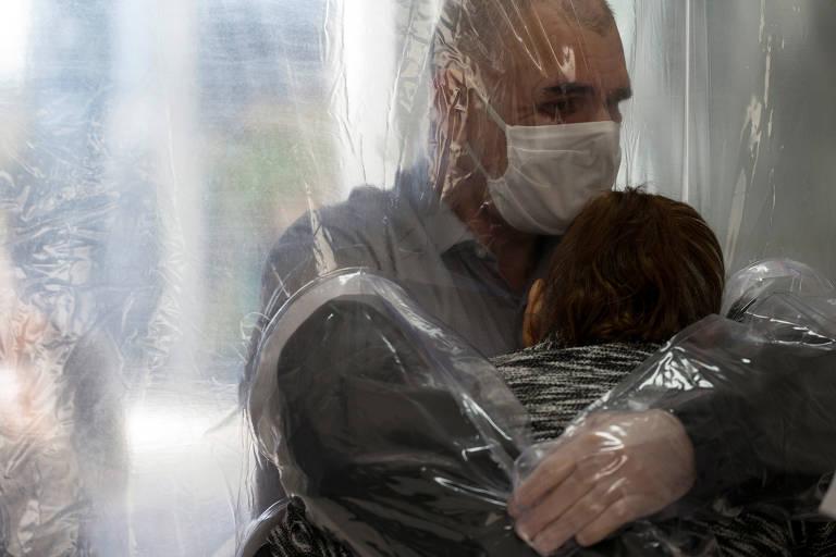 Arquivos e museus coletam relatos e objetos pessoais durante a pandemia